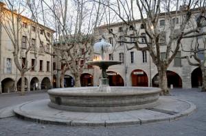 2012-uzes-fontaine-gelee-045-300x199 dans FRANCE l'Uzège