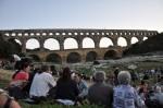 Le Groupe F antastique fait vibrer, scintiller et tonner le merveilleux Pont du Gard... dans FRANCE l'Uzège Pont-du-Gard-Groupe-F-009-150x99