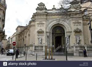 nimes-france-2018-la-galerie-jules-salles-MCT72K